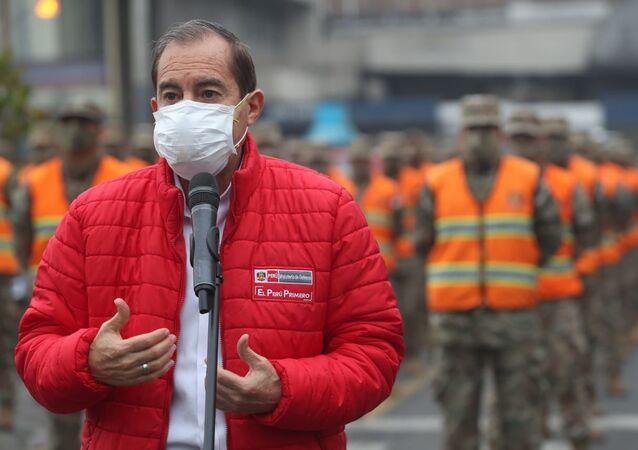 Walter Martos, ministro de Defensa de Perú
