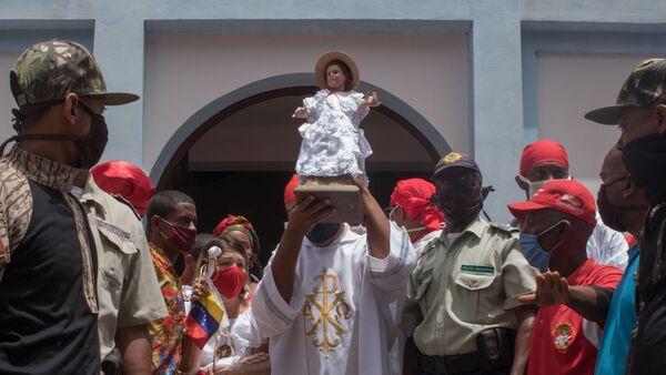 Pobladores de Curiepe resistieron para celebrar sus fiestas de San Juan a pesar de la pandemia por COVID-19 - Sputnik Mundo