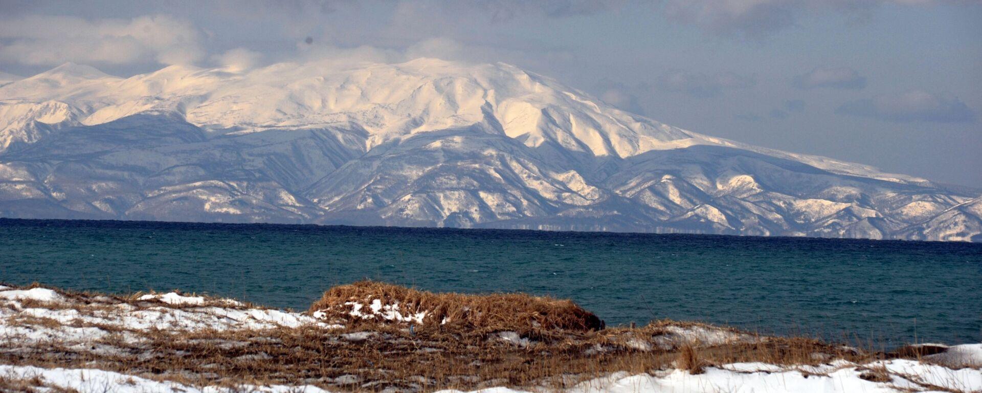 Vista a la isla de Hokkaido desde la isla de Kunashir - Sputnik Mundo, 1920, 03.03.2021