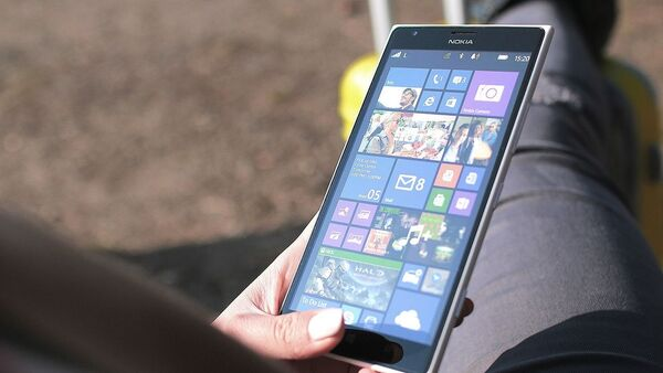 Un teléfono inteligente de Nokia (imagen referencial) - Sputnik Mundo