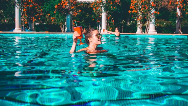 Alquiler de piscinas - Sputnik Mundo