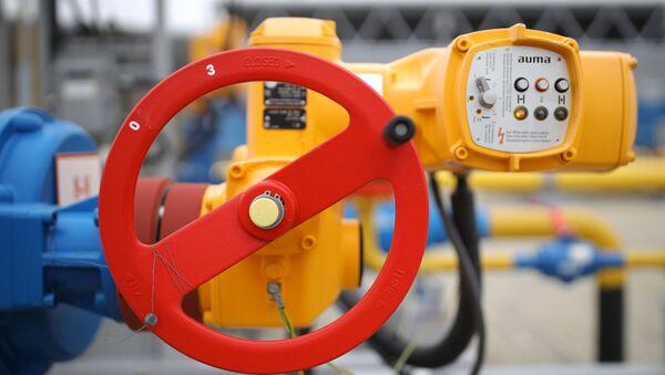 El grifo de cierre de una planta compresora que forma parte del sistema de gasoductos que aseguran el suministro gas para Turk Stream - Sputnik Mundo