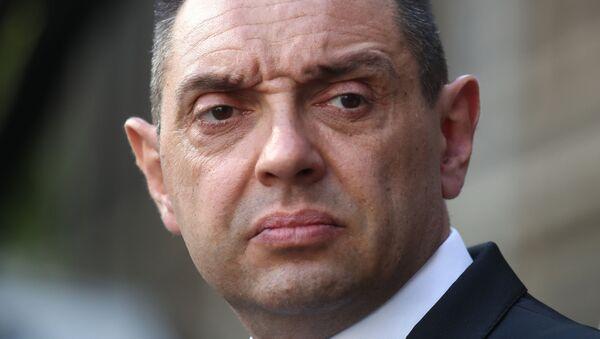 Aleksandar Vulin, ministro de Defensa de Serbia - Sputnik Mundo