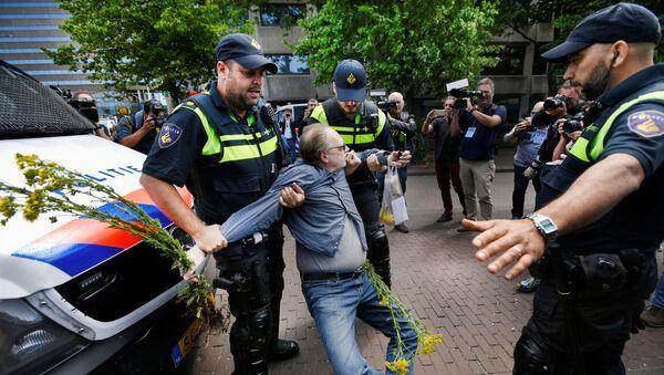 Protestas en La Haya - Sputnik Mundo
