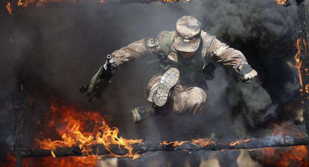 Un soldado del Ejército Popular de Liberación de China durante unos ejercicios (archivo)