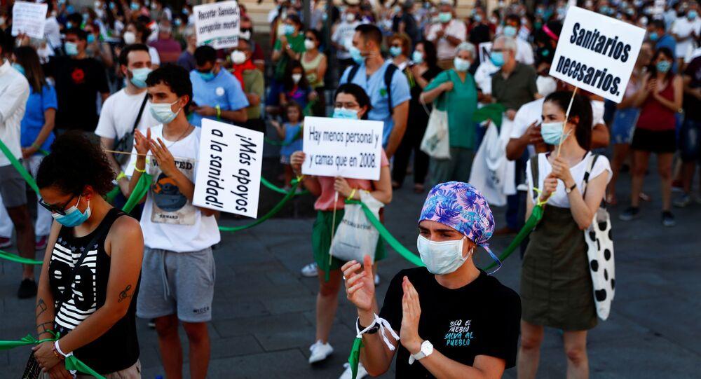Sanitarios manifestándose en la Puerta del Sol (Madrid)