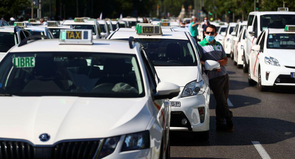 Manifestación en coche de taxistas en Madrid