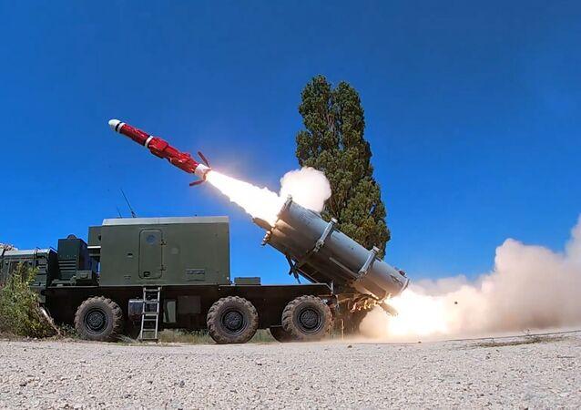 Así el sistema de misiles antibuque Bal reduce a cenizas un blanco naval