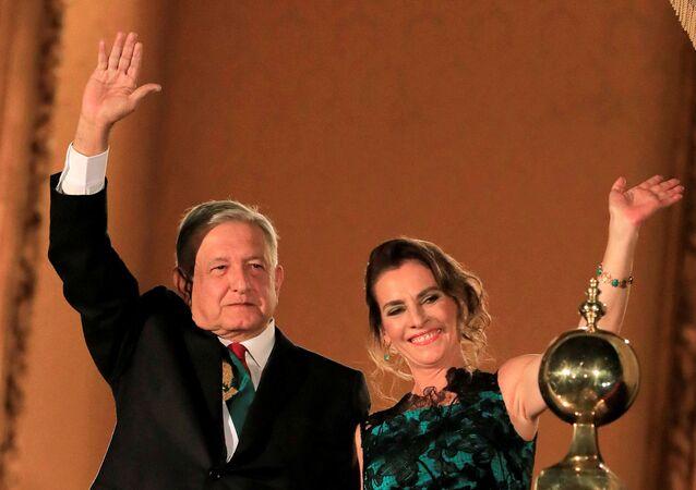 Andrés Manuel López Obrador, presidente de México, y su esposa, Beatriz Gutiérrez Müller (archivo)