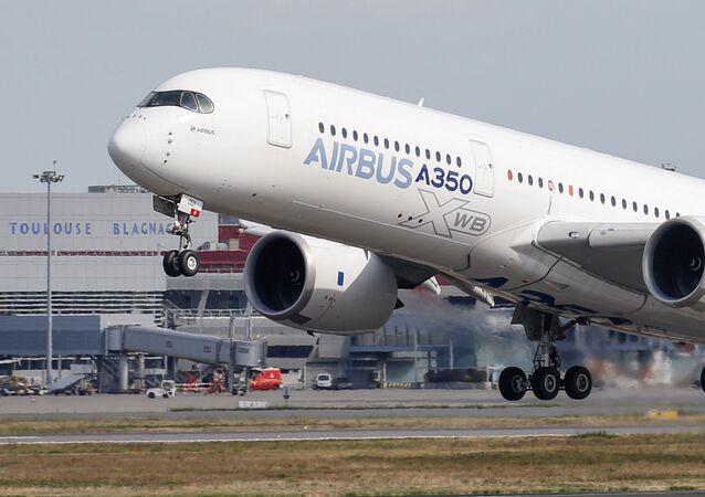Un Airbus A350 (imagen referencial)