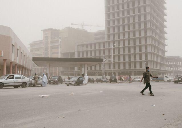 Nuakchot bajo una tormenta de arena (imagen referencial)