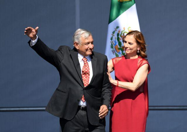 Beatriz Gutiérrez Müller con su esposo, el presidente de México, Andrés Manuel López Obrador