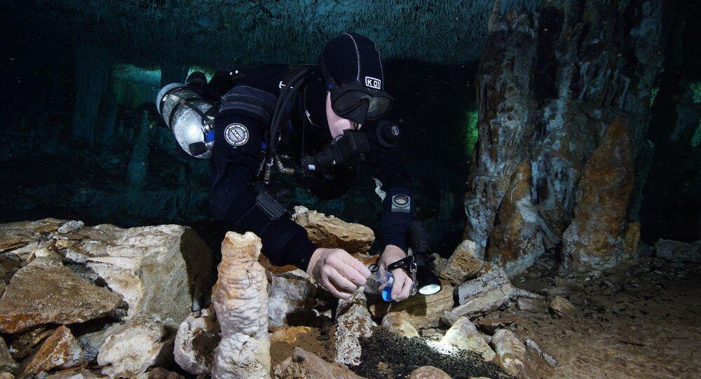 Hallan mina antiquísima de ocre sumergida en Yucatán (FOTOS)