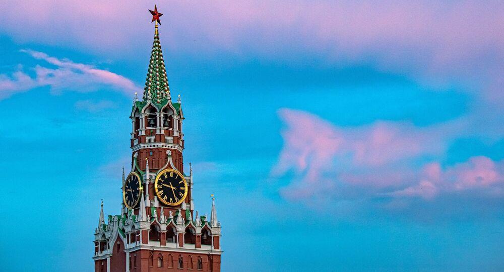 Una torre del Kremlin de Moscú