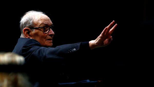 El compositor italiano Ennio Morricone - Sputnik Mundo