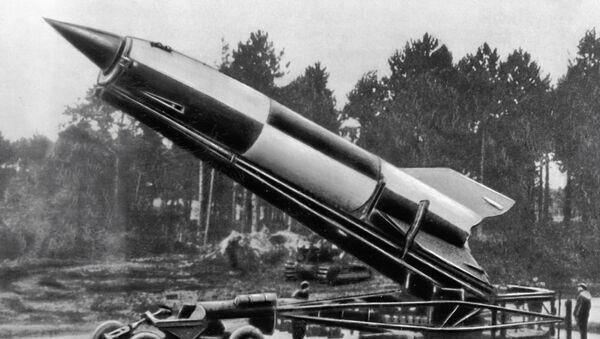 El misil balístico alemán V-2 del diseño de Wernher von Braun - Sputnik Mundo