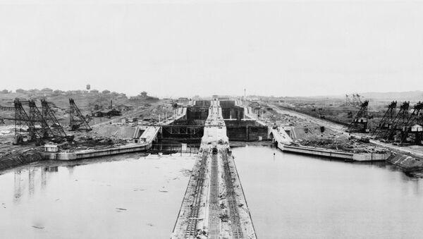 La construcción del Canal de Panamá en 1913 - Sputnik Mundo