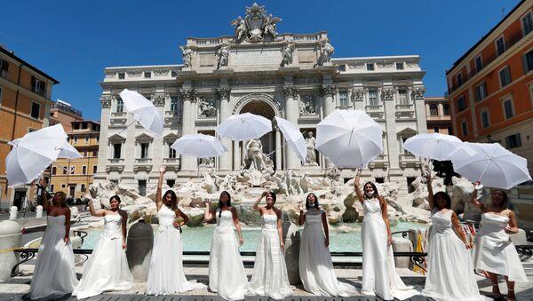 Protestas de novias en Roma, Italia - Sputnik Mundo