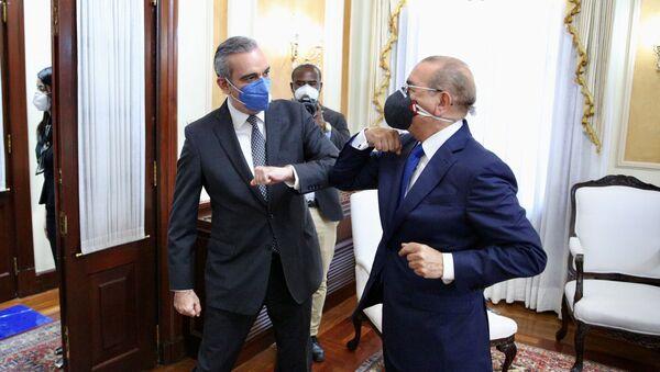 El presidente de República Dominicana, Danilo Medina, y su sucesor, Luis Abinader - Sputnik Mundo