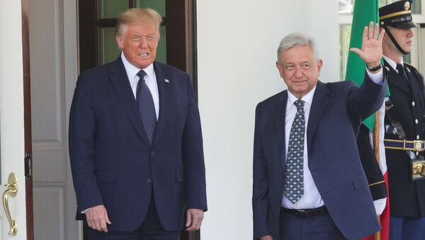 Los presidentes Donald Trump y Andrés Manuel López Obrador  - Sputnik Mundo