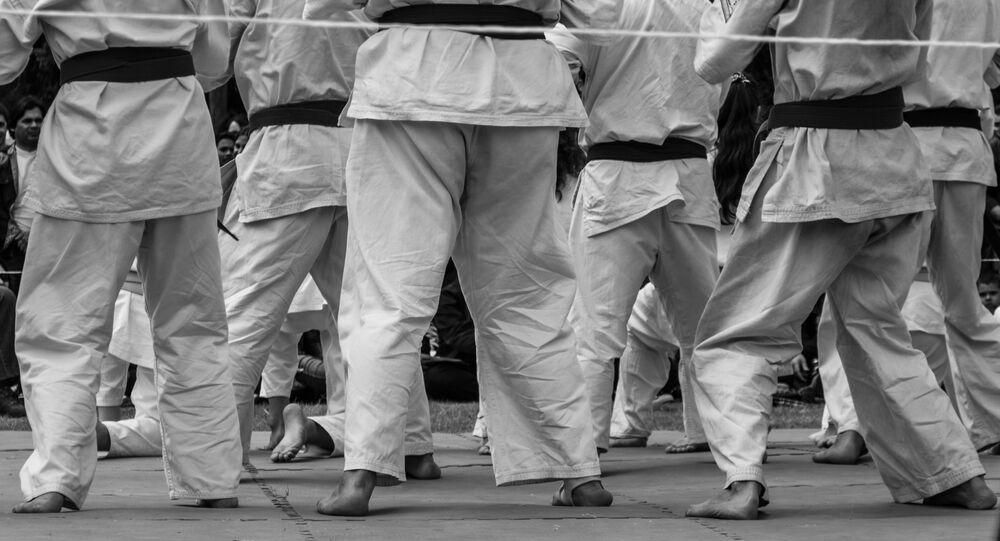 Karatekas entrenando