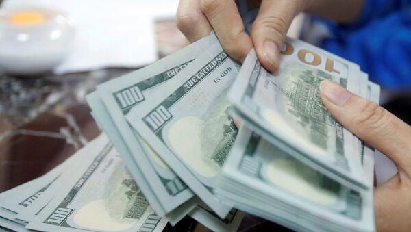 Dólares estadounidenses - Sputnik Mundo