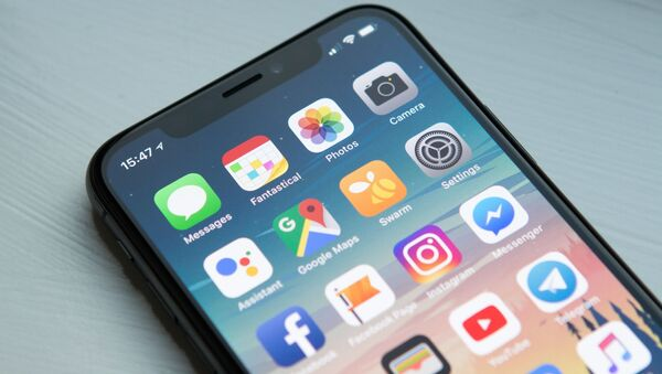 La pantalla de un 'smartphone' - Sputnik Mundo