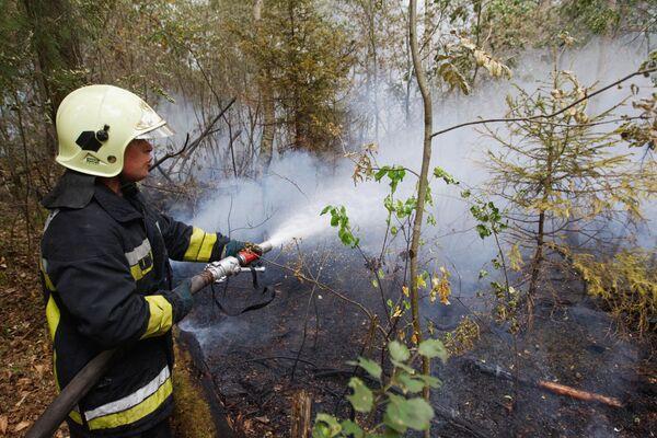 Rescatistas del Ministerio ruso de Emergencias salvaron en 2010 a casi 200 mil personas - Sputnik Mundo