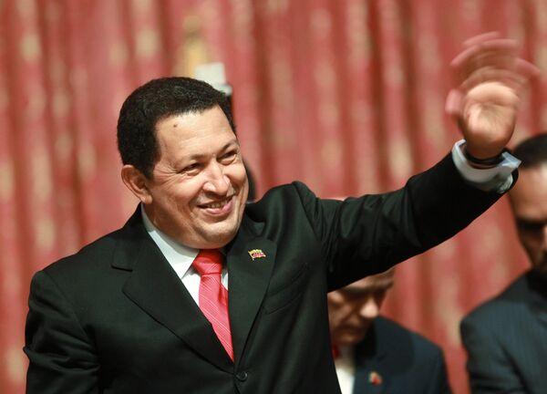 Президент Венесуэлы Уго Чавес во время выступления перед студентами - Sputnik Mundo