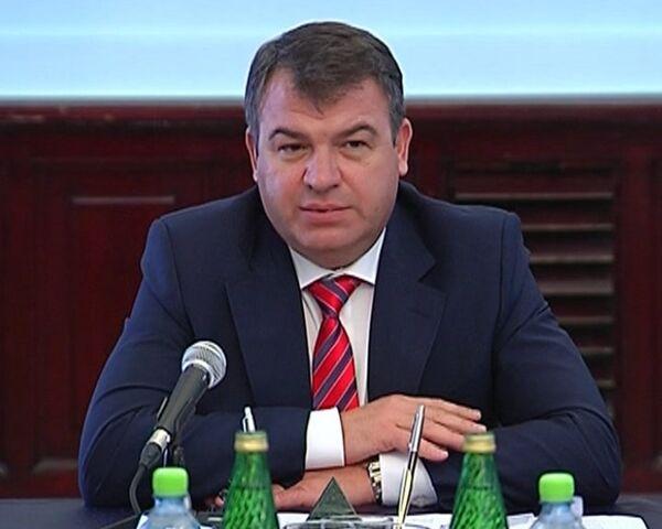 Anatoli Serdiukov, el ministro ruso de Defensa - Sputnik Mundo