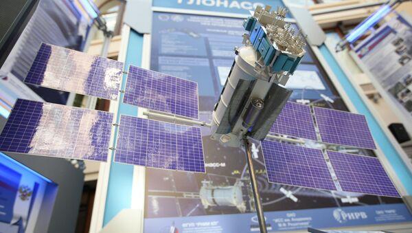 Maqueta del satélite ruso Glonass (archivo) - Sputnik Mundo