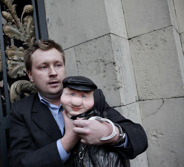 Uno de los líderes del movimiento gay ruso Nikolai Alexéev - Sputnik Mundo