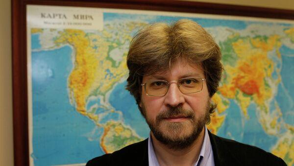 Fiodor Lukiánov - Sputnik Mundo