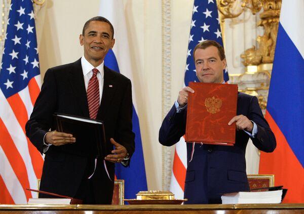 Los presidentes Barack Obama y Dmitri Medvédev - Sputnik Mundo