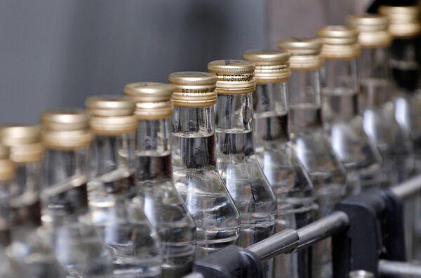 Los rusos afirman que un buen vodka debe ser suave y sin olor penetrante - Sputnik Mundo