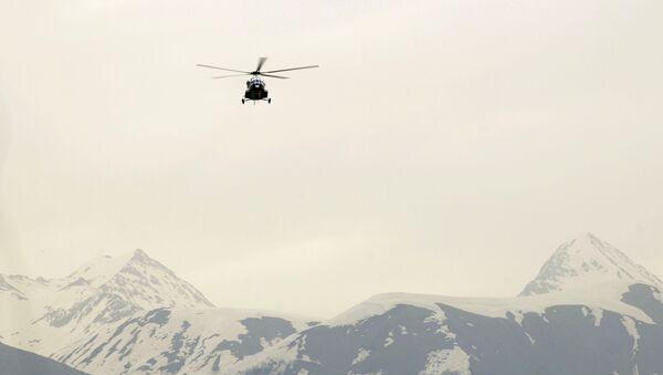 Helicóptero Mi-171 en las montañas del Cáucaso - Sputnik Mundo
