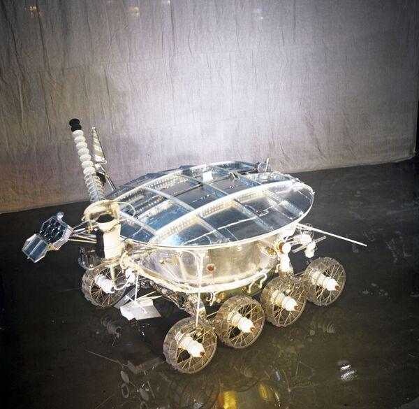 El primero en la Luna: el vehículo lunar Lunokhod-1 - Sputnik Mundo