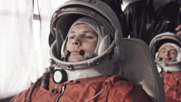 Гагарин и Титов направляются на Байконур - Sputnik Mundo
