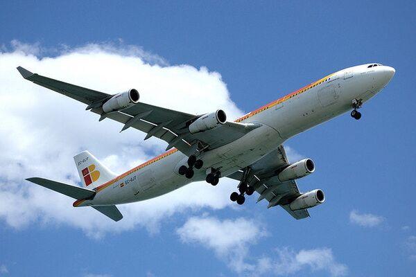 Aerolínea española Iberia aumenta este verano número de vuelos a Rusia - Sputnik Mundo