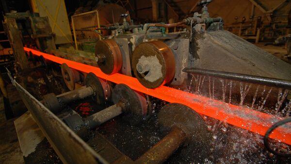 Una planta siderúrgica (imagen referencial) - Sputnik Mundo