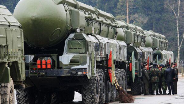 Los misiles balísticos Topol-M (Archivo) - Sputnik Mundo
