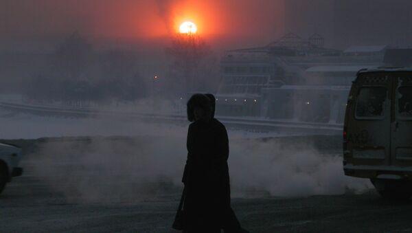 Ministerio de Emergencias pide a los siberianos observar medidas de seguridad por las fuertes heladas - Sputnik Mundo