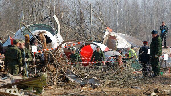 Restos del avión ruso Tu-154 del presidente polaco (archivo) - Sputnik Mundo