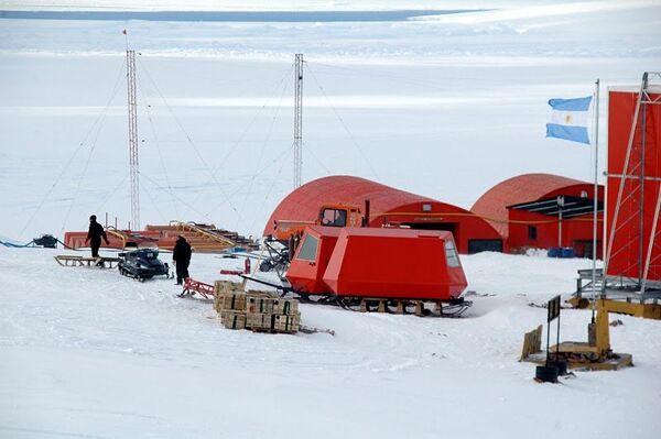 Científicos temen que la caída del rublo provoque suspensión de estudios en la Antártida - Sputnik Mundo