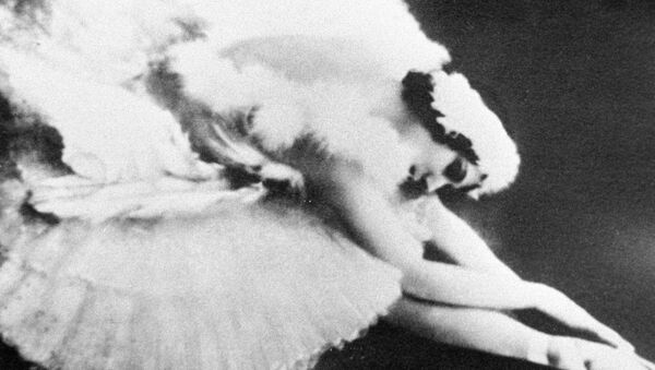 Первая исполнительница «Умирающего лебедя» балерина Анна Павлова - Sputnik Mundo
