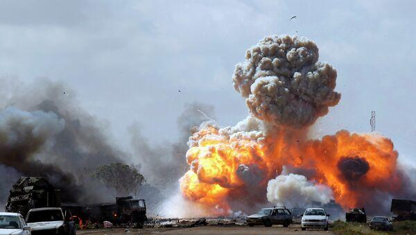 Bombardeo de EEUU en Libia - Sputnik Mundo