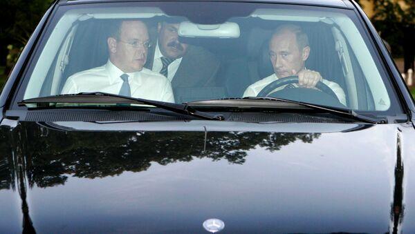 Vladímir Putin y el príncipe soberano de Mónaco, Alberto II - Sputnik Mundo