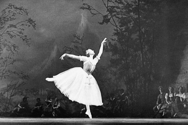 La legendaria bailarina rusa, Galina Ulánova - Sputnik Mundo