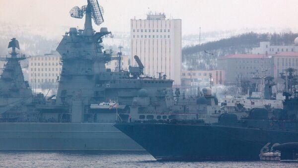 Las maniobras de la Flota del Norte de Rusia - Sputnik Mundo