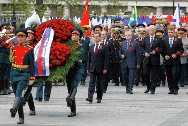 Medvédev felicita a países del espacio postsoviético por el Día de la Victoria - Sputnik Mundo
